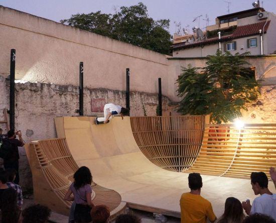 Βραδινή Όψη LATRAAC Transition Skateboarding Kerameikos