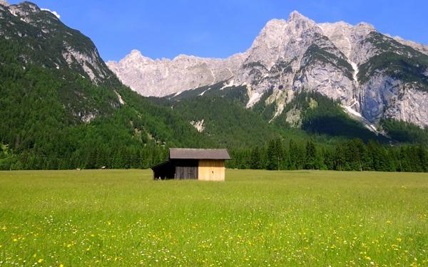 Looking at the Dreitorspitz from Leutasch, Austria