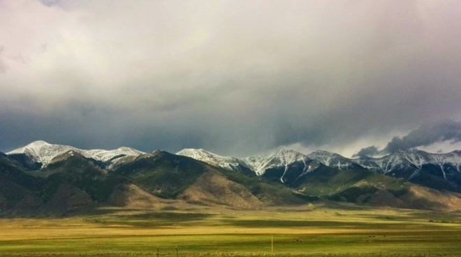 The Sangre de Cristo mountains on the way to Durango