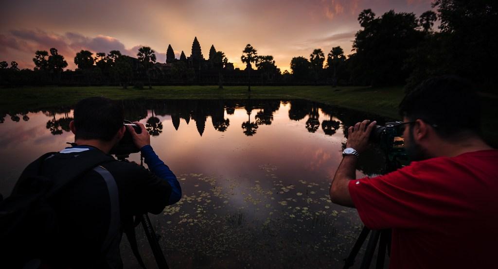 photographers_at_angkor_wat_sunrise