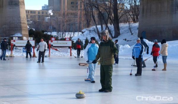 Ironman Outdoor Curling Bonspiel (CHRISD.CA FILE)