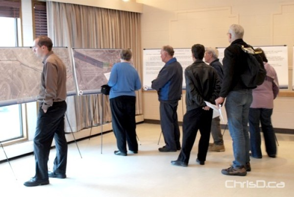 A public open house discussing the first phase of bus rapid transit in 2009. (CHRISD.CA FILE)