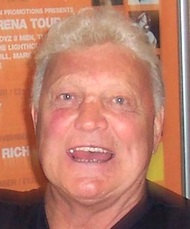 Bobby Hull (WIKIPEDIA)