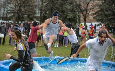 U of M Students Take Icy Dip for Charity