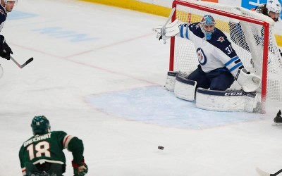 Jets' Connor Hellebuyck Wins Vezina Trophy