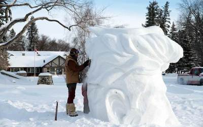 Snow Carvers Sculpt At-Risk Species in Riding Mountain National Park
