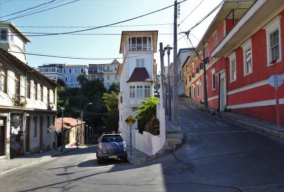 Valparaiso's answer to the Flatiron building