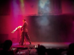 Atmospheric tango show