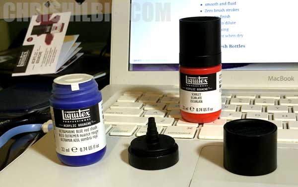 A photo of the new squeeze bottle that Liquitex is using.