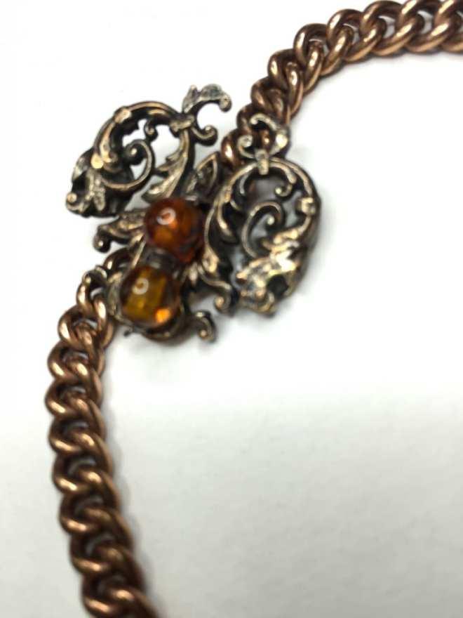 Bracelet maille gourmette et médaillon bronze perles ambre