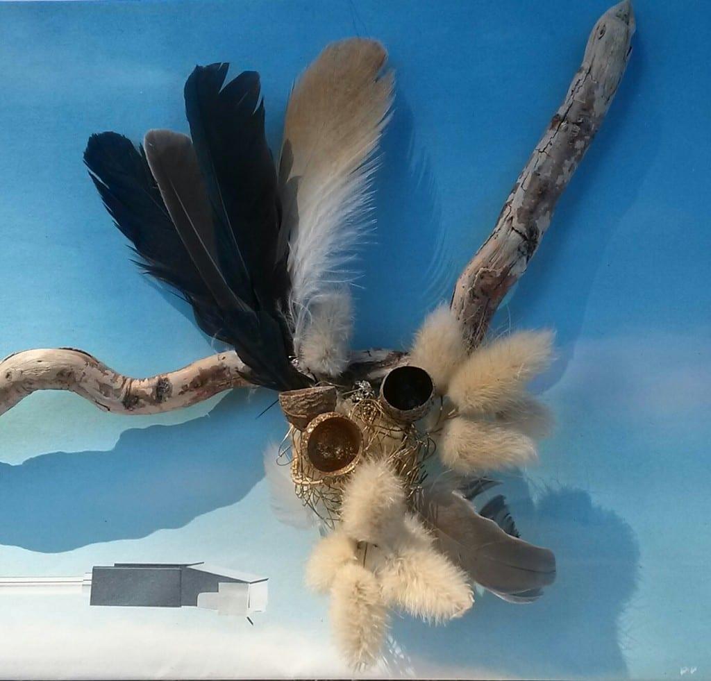 Chrismali bois plumes coques de gland, queue de lièvre, fil de laiton