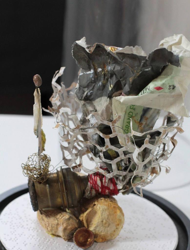 Chrismalii -, L'homme et sa maison, comme un escargot -expo du cercle des artistes de Paris
