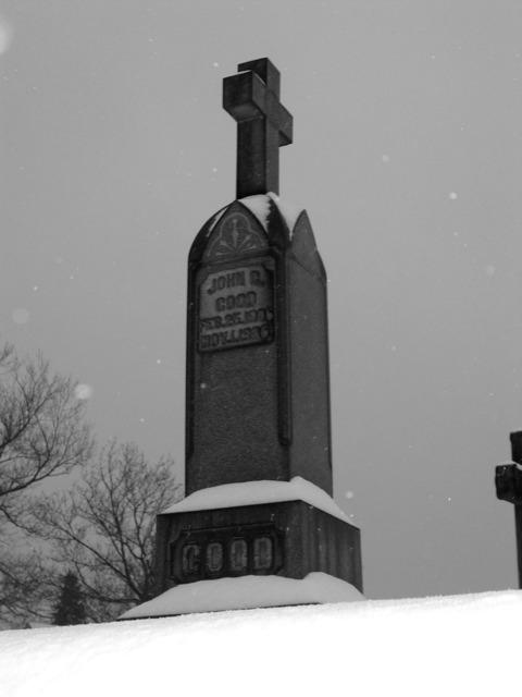 Snowy Grave 1