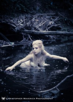 Decided to go with an ethereal mythic theme for my most recent shoot. Model: Melanie