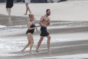 Hugh-Jackman-Shirtless-St-Barts-His-20th-Anniversary