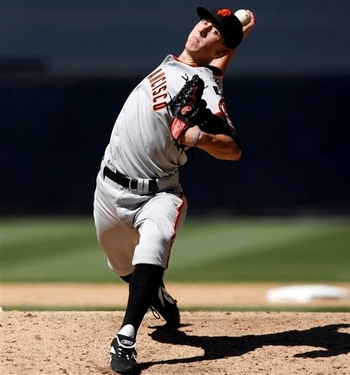 https://i0.wp.com/www.chrisoleary.com/projects/Baseball/Pitching/Images/Examples/Example_HipsRotatingBeforeShoulders_TimLincecum_2007_035.jpg