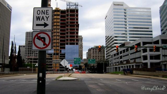 Downtown street light 16x9