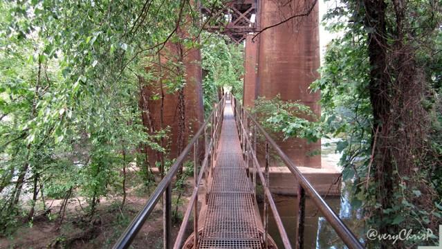 Pipeline rapids walkway