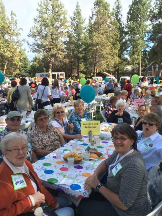 Sisters Quilt Show picnic