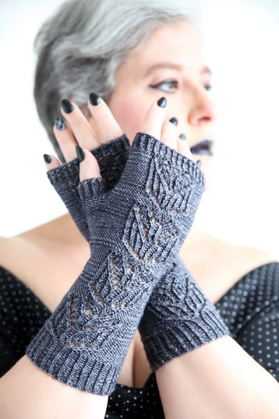 Fingerless mitts Lady in Black