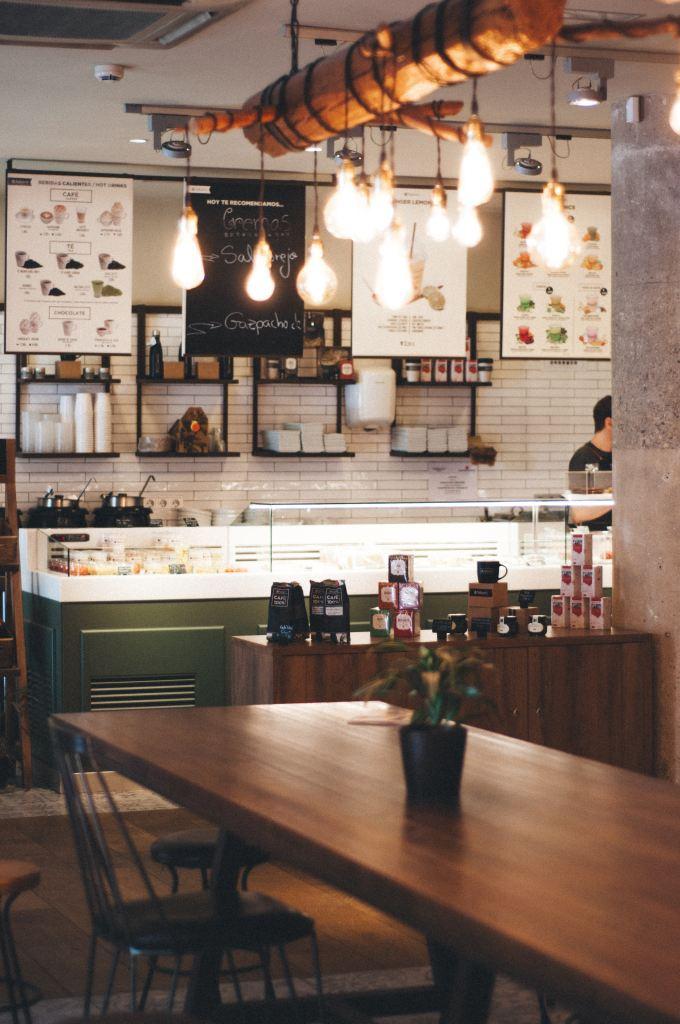 Restaurante acogedor (from UNSPLASH)