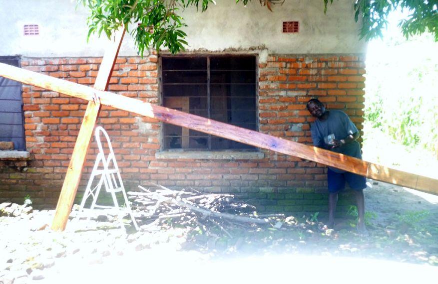 04 Cross 0064 Salima Malawi WEB