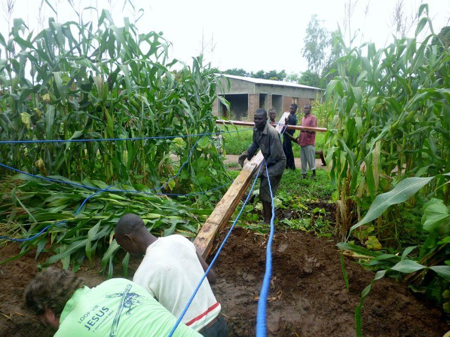 05 Cross 0064 Salima Malawi WEB
