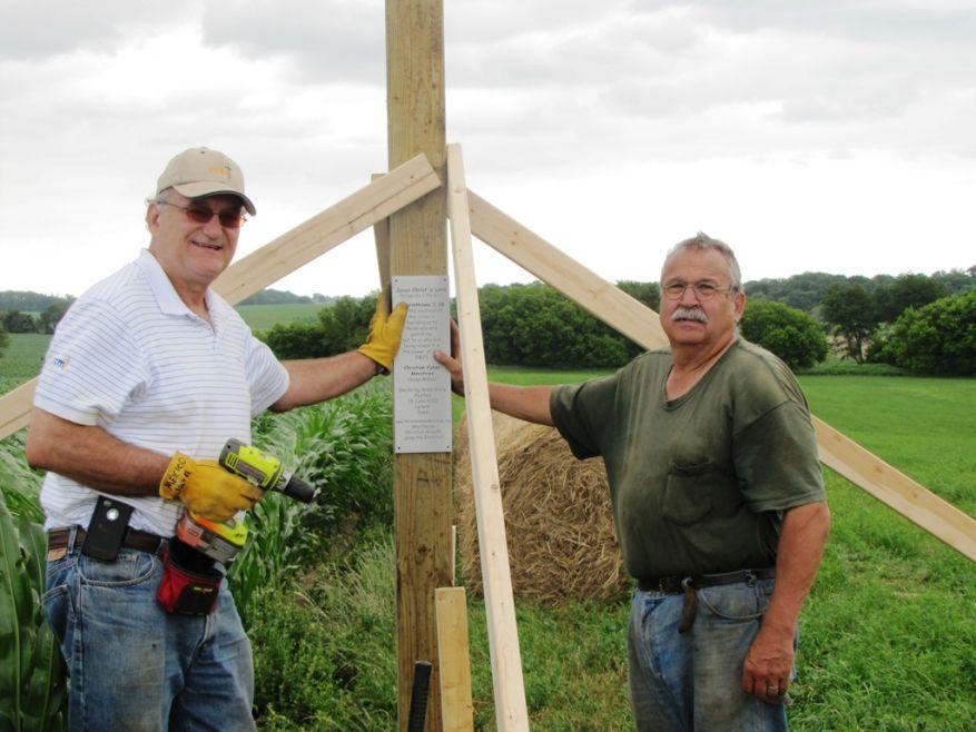12 Cross 0032 Leland, Iowa WEB