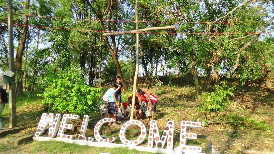 16 Cross 0054 Tarlac Philippines WEB