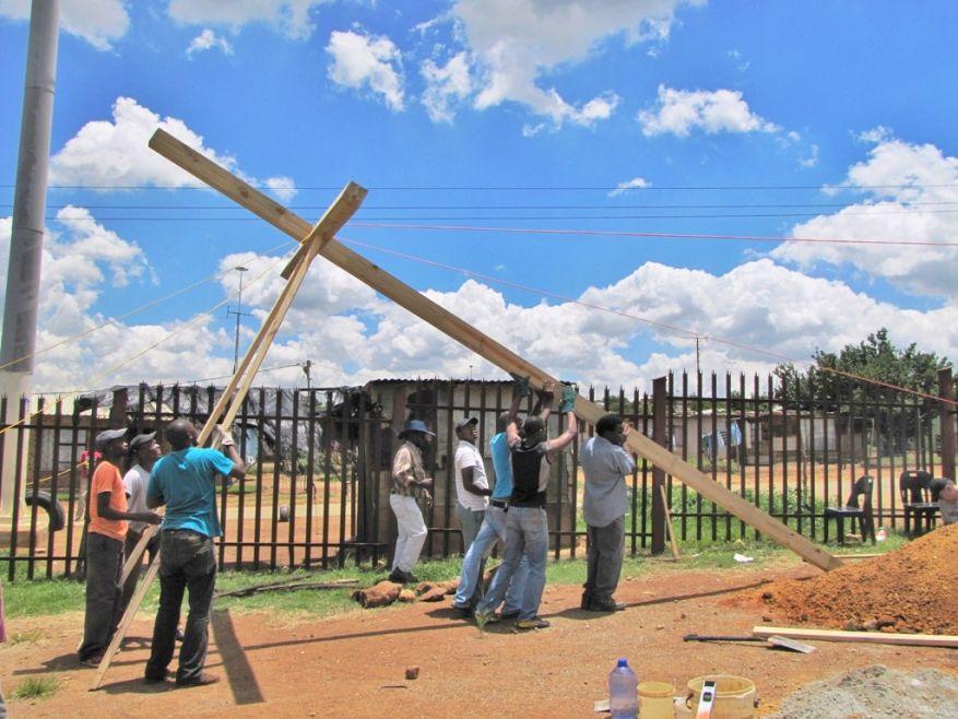 Cross 0048 Balfour SA web 11