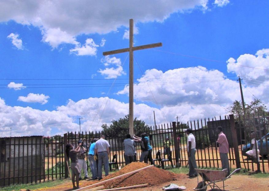 Cross 0048 Balfour SA web 13