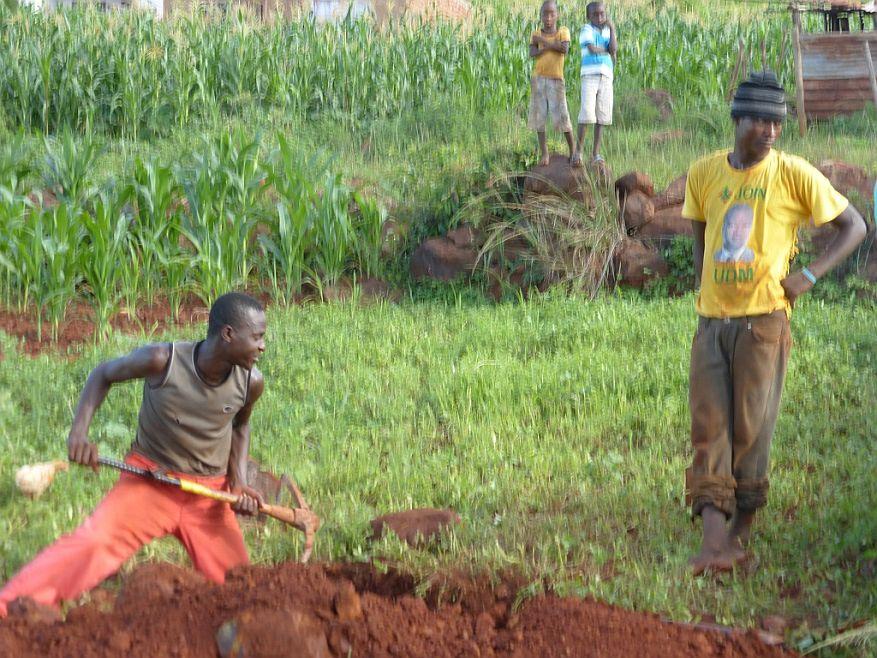 Cross 0057 Ngudza Venda SA WEB 06