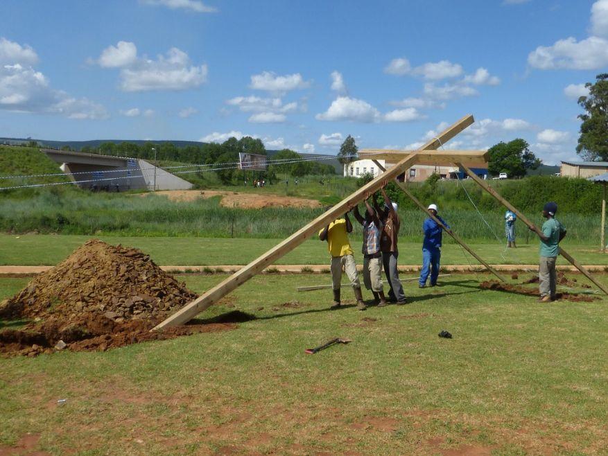 WEB 18 Cross 0062 Lindelani SA WEB
