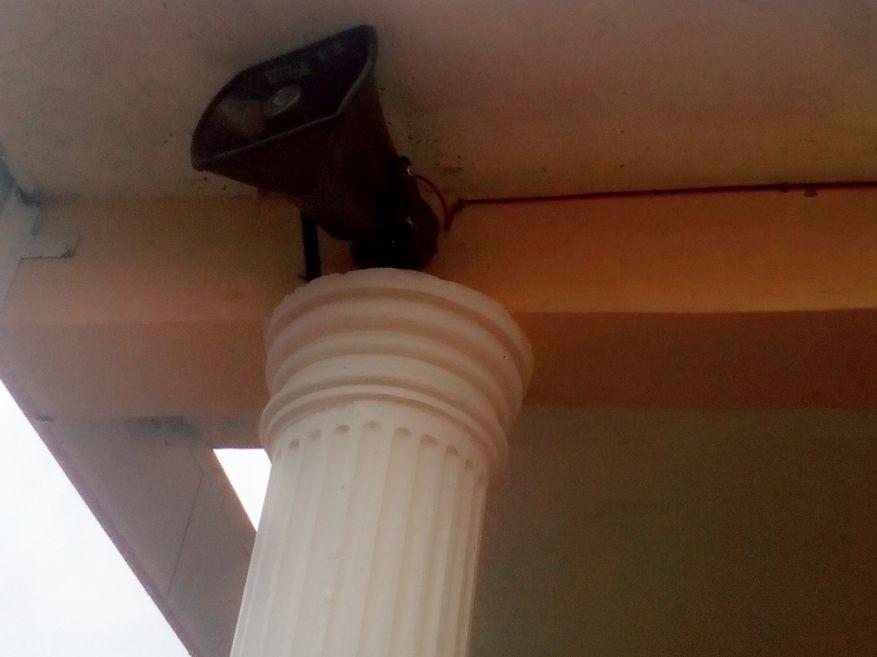 3 Speaker on column - Copy