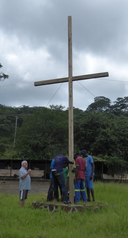 Cross. 0106 Bethel Church, Netherburn, Zimbabwe 2.8.17 045