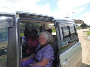 Cross planting team arriving at Monomutapa Baptist Church