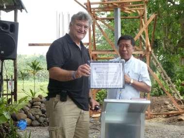 Pastor Bill receives appreciation Certificate