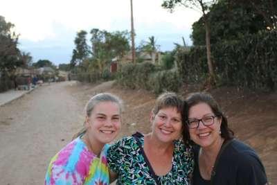Minnesota Cross Team L-R Grace, Mary, Stephanie