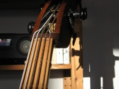 Alter Bass mit klassischem Set-up/ Old double bass with set-up from classical period