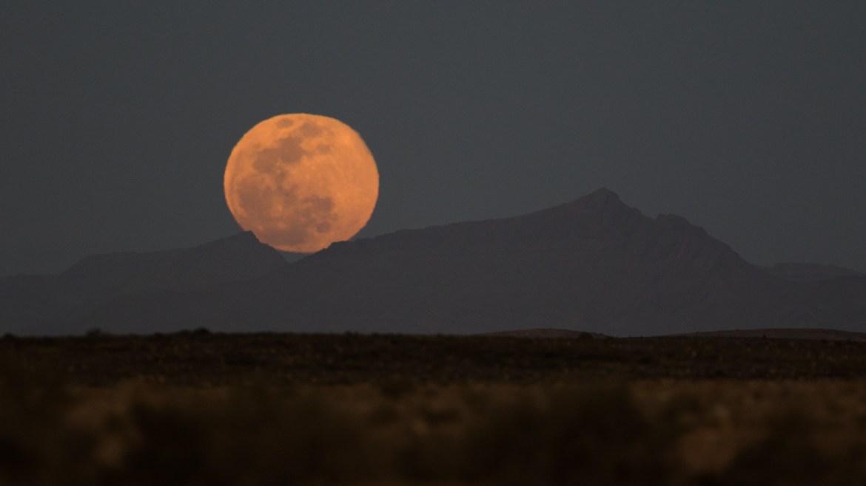 Moonrise - Desert near Asrir