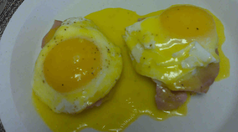 Low Carb Eggs Benedict alternative