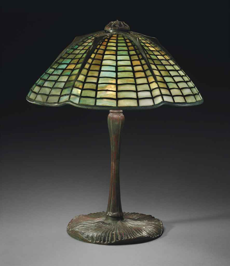 TIFFANY STUDIOS , A 'SPIDER' TABLE LAMP, CIRCA 1910