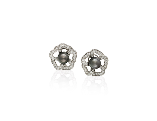MIKIMOTO GRAY CULTURED PEARL AND DIAMOND FLOWER
