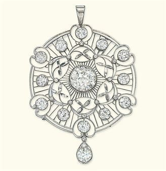 AN EDWARDIAN DIAMOND PENDANT