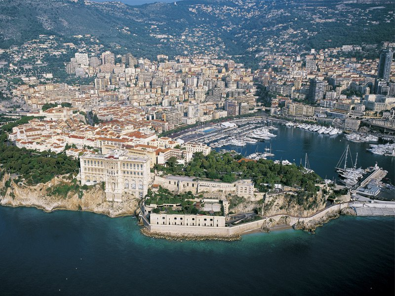 Banner image: Monaco Yacht Show 2015. The magnificent Monaco port, pictured above, will be expanding its territory in 2016 to keep up with the growing world of luxury yachts and sailing