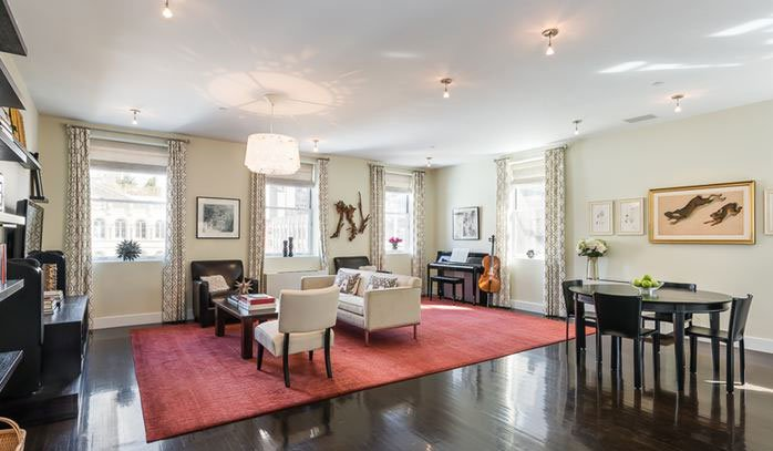 3 Bedrooms, 2,815 sq. ft.Grand and lofty three-bedroom apartment with chef's kitchen