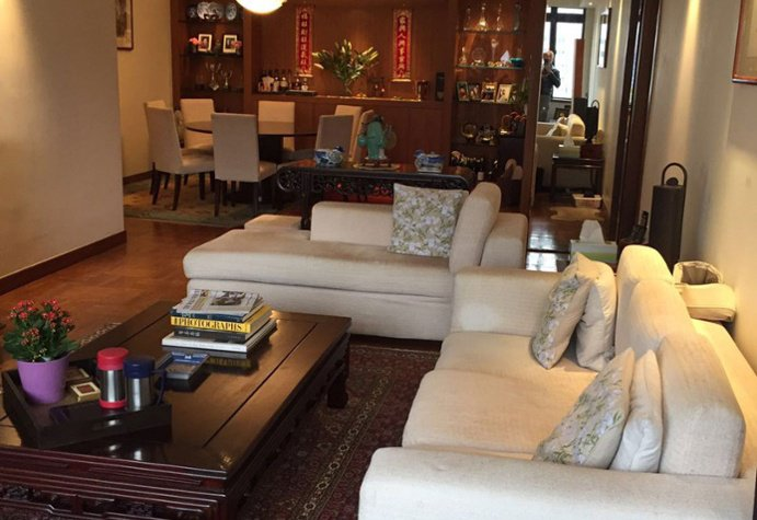 3 Bedrooms, 1,646 sq. ft.High-rise apartment with centralbusiness district (CBD) views