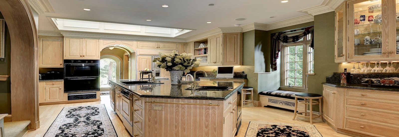 Form Follows Food Luxury Kitchens From Around The World - Luxurious-kitchen-design-property