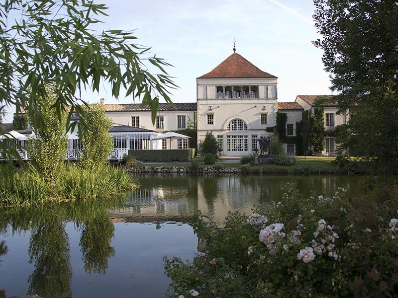 Les-Sources-de-Caudalie-hotel-exterior