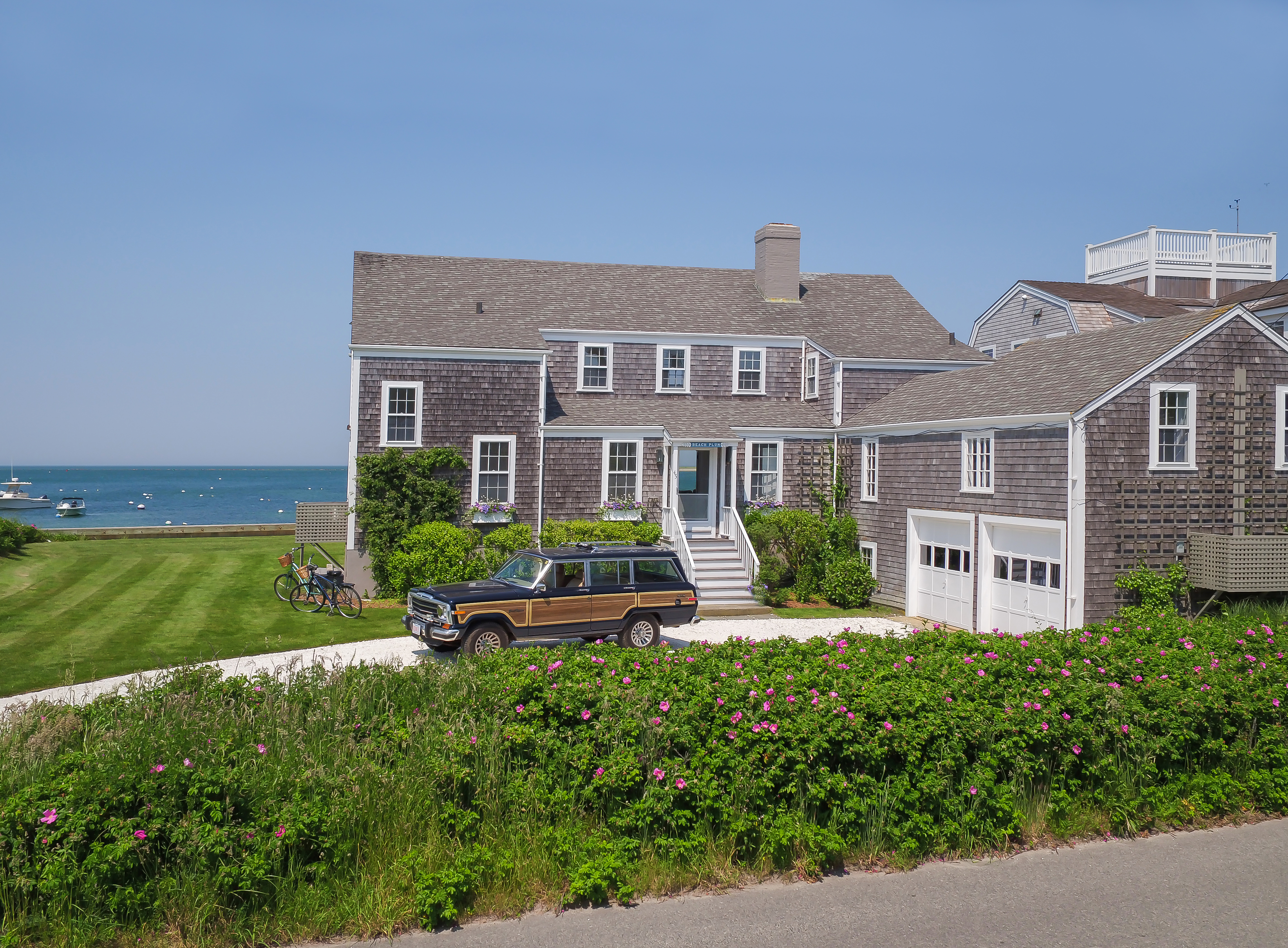 Nantucket Cottage on the Water